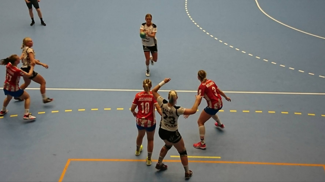 Damerna vann i Stiga Sports Arena