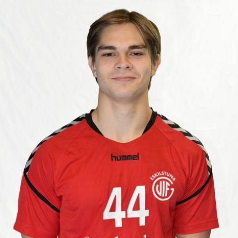 44 Carl Roos