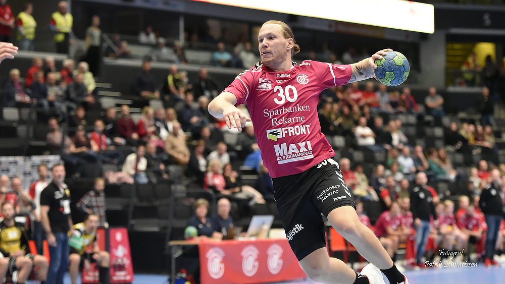 Emil Hansson i rosa tröja