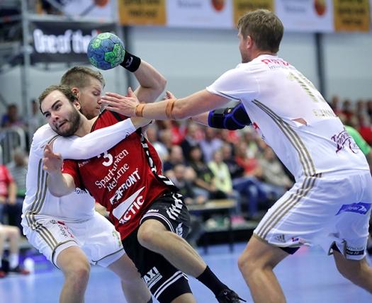 Emil trycker sig igenom försvaret