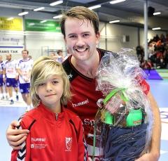 ICA Maxi delar ut pris till matchens lirare Daniel Ekman