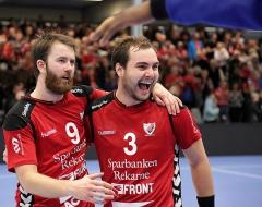 Daniel och Emil glada efter matchen