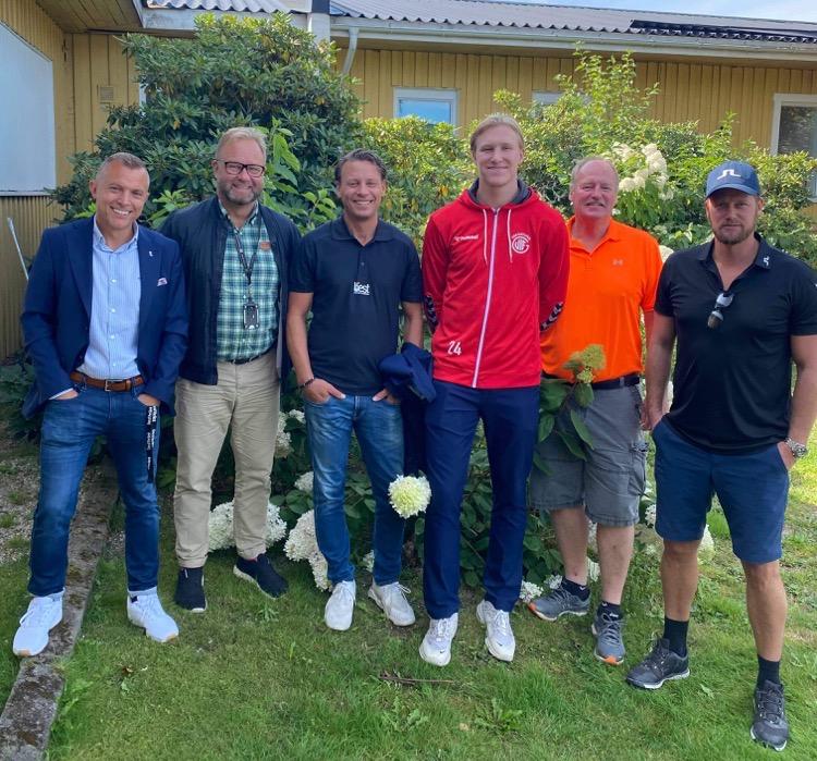 Eric Johansson kvar i Eskilstuna Guif till säsongen 22/23