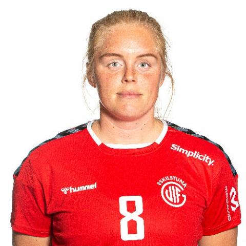 8 Caroline Karlsson